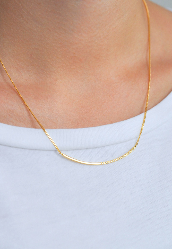 Linea Necklace